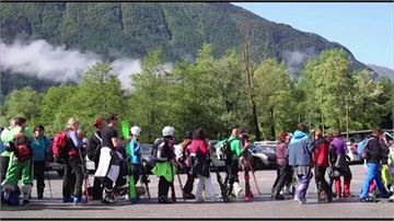 斯洛維尼亞宣告疫情結束 滑雪場大排長龍