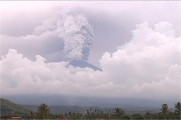 阿貢火山活動加劇 峇里島10萬居民急撤離
