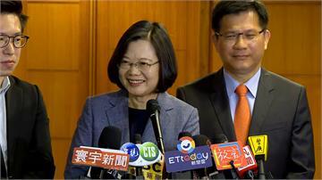 快新聞/用毛筆為230公尺米龍開光點睛 蔡英文祈願神明庇佑「台灣防疫成功」