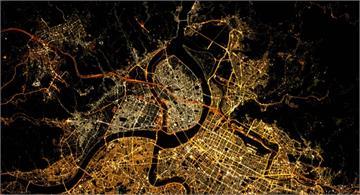 太美了!從國際太空站拍的「台北夜景」長這樣 讓法國網友都驚呆