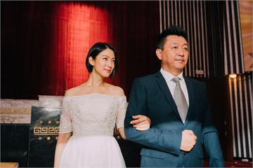 電影《逃出立法院》釋出賴雅妍、禾浩辰「為穎CP」婚紗照 照片藏洋蔥