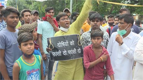 印度9歲賤民女童遭性侵謀殺 引爆全民怒火 連4天上街示威