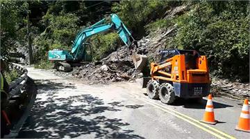 快新聞/台24線霧台鄉路段土石坍方 目前單向通車