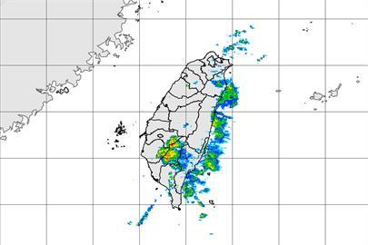 快新聞/下雨了! 南高屏、花蓮大雨特報 氣象局一張圖曝降雨區