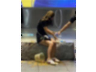 快新聞/女子獨坐信義區石椅「突遭潑一桶糞」 男子犯案後逃逸警全力追查