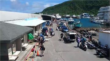 天氣炎熱赴離島玩水!綠島、蘭嶼遊客湧現