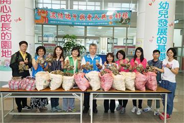 快新聞/端午送暖! 新竹8旬婦捐千顆粽給百位獨居長輩