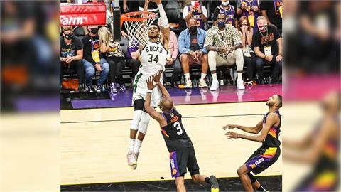 NBA/公鹿3巨頭得分齊破20 客場射太陽總冠軍賽聽牌