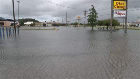 颶風季首個風暴襲美南  墨西哥灣沿岸狂風暴雨