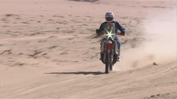 600公里長征!達卡拉力賽岩漠狂飆摔車意外頻傳