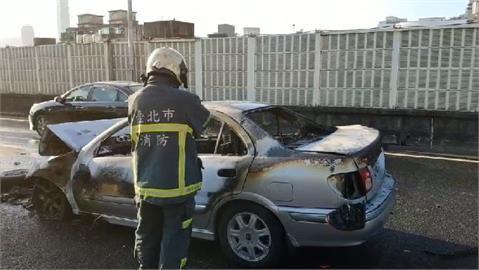 快新聞/轎車追撞釀火燒車! 台北市市民高架車流一度回堵