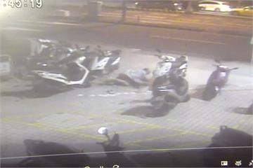 大樓掛「請勿停車」 鐵鍊 害路人摔趴挨告