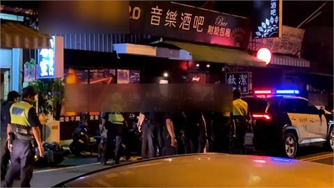 酒吧鬥毆遭警帶回 惡煞撂人包圍屏東分局