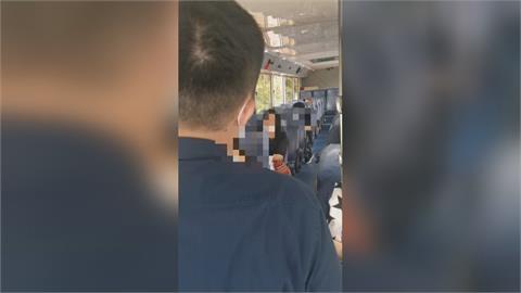 女子搭公車口罩拉到下巴 還大聲嗆員警