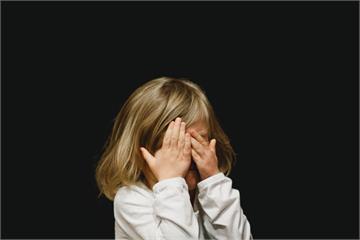 讓人看猥褻影片有什麼刑責?若對象是未成年 後果可能更嚴重