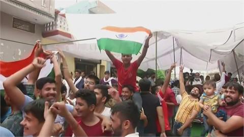 邱普拉東奧標槍封王 印度史上首面奧運田徑金牌