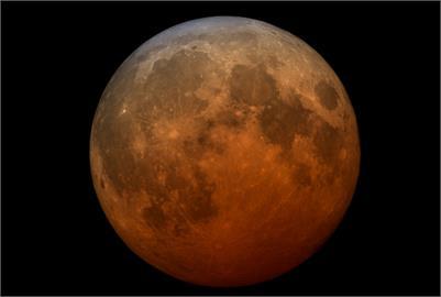 「超級血月」完整時刻表曝光!氣象局全程直播:別錯過最精華19分鐘