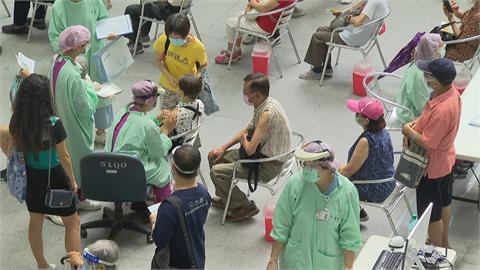 全台破百萬人次接種 週五加發7.3萬劑莫德納