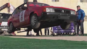 俄羅斯大力士競賽 搬汽車、拉卡車比強壯