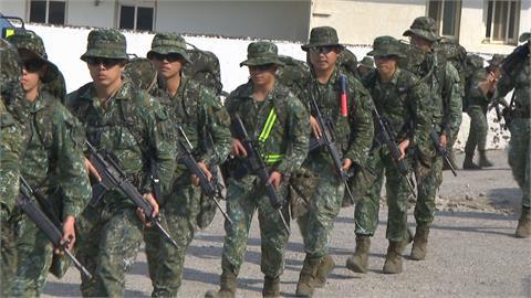 特戰部隊戰術任務行軍 模擬反擊敵軍登陸