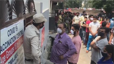 印度疫情蔓延鄉村! 連三日破40萬染疫封鎖沒用 開齋節大批人群上街採購