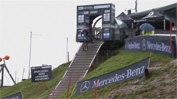 奧地利越野單車錦標賽 賽道濕滑選手頻摔車