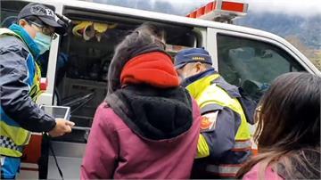 上山賞雪  小心高山症! 3歲女童狂吐不止 警上山救援