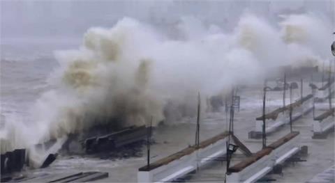 印度面對雙重壓力 疫情延燒.熱帶氣旋來襲