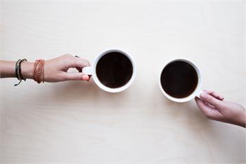 開工日撫慰心靈!超商推咖啡買1送1、第2杯半價