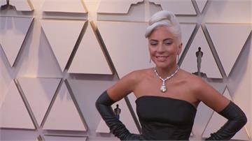 奧斯卡頒獎眾星雲集  女神卡卡戴十億珠寶走紅毯