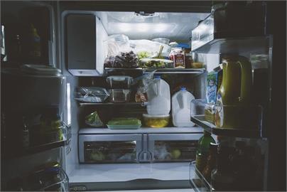 食物別再塞冷凍!台電曝冰箱「耗電關鍵」 這3招「省電又吃健康」