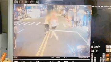 叭叭叭叭叭...外送員:不要擋路! 半路遇民眾攔公車「上演全武行」