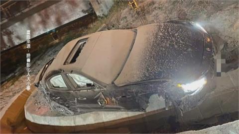「海神」撞賓士衝出國道 駕駛拋飛躺入排水溝