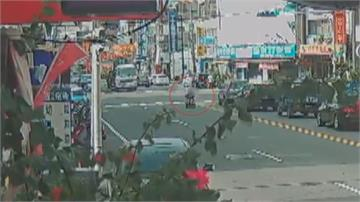 「移動式神主牌」玩命街頭!  鹿港翁駕駛電動輪椅穿梭車陣