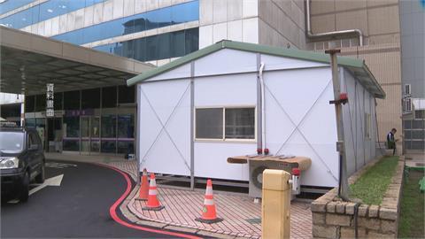 挺醫護!林佳龍號召企業 捐贈「戶外組合式負壓隔離艙」