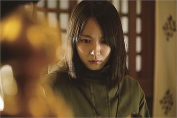 驚悚片《看不見的目擊者》吉岡里帆挑戰演技扮盲人 獲日本電影金像獎肯定