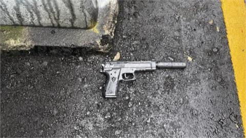 鶯歌路邊撿到手槍 熱心民眾緊急報警