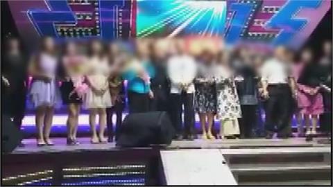 葡萄家族歌唱班 學員感情好.唱歌輪傳麥克風 40名成員22人染疫!