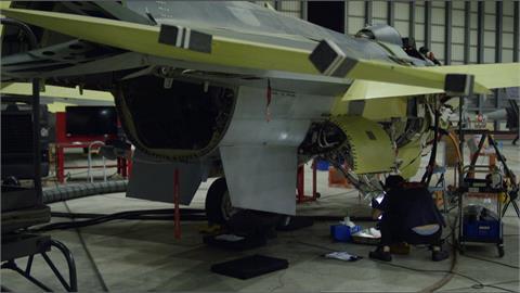 F-16A返台升級F-16V.AIM-120飛彈首度在台試射