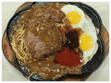 迸出新滋味!夜市牛排上的「半熟蛋」別直接吃 老饕曝:這樣才經典