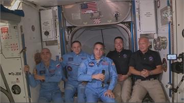 睽違9年多!美國送人上太空 成功對接太空站