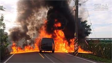 宜蘭車禍釀火燒車 騎士命大遭噴飛僅輕傷
