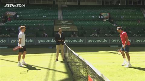 法網16強退賽引發爭議!哈雷公開賽 費德勒草地賽出擊奪首勝