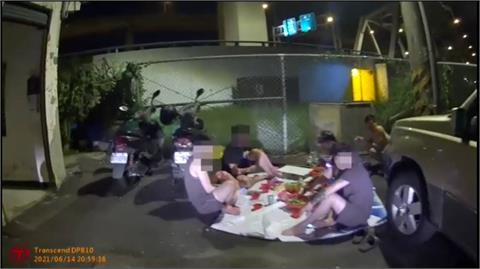 快新聞/蘆竹5男戶外烤肉全都沒戴口罩! 警蒐證移送裁罰