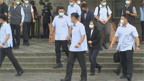 南下探視大火傷患 蔡總統:全面檢討強化建築管理