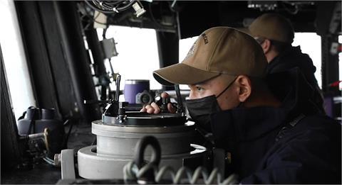 守護台海和平!美第7艦隊「馬侃號」通過台海 讓中國解放軍氣炸