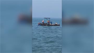 工人「垃圾填海」被釣客抓包最高恐罰百萬 縣府要求下海打撈垃圾