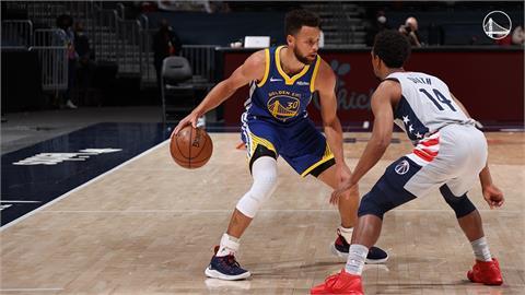 NBA/勇士末節崩盤 柯瑞得30分以上連續場次停在11場