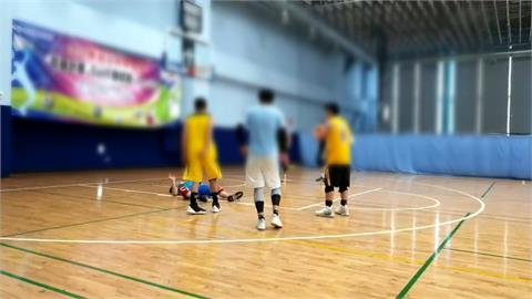 打籃球昏倒瀕死 CPR八分鐘幸運救回
