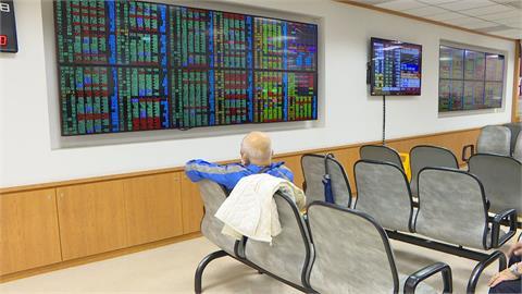 賣壓調節 台股開高走低小跌11點收16177點